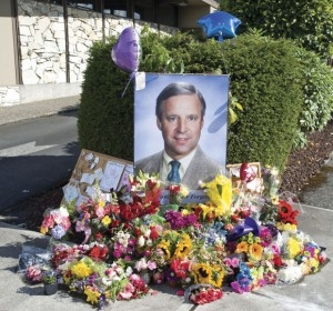 A spontaneous memorial appeared outside of the Lower Columbia Women's Clinic after word spread of Dr. Henderson's death.